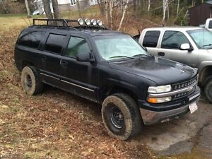 2002 Chevy suburban lifted.