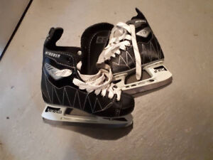 Boys skates CCM size 3, worn once, brand new condition