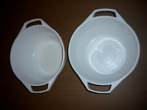 "2 Very Large White Plastic Bowls with Handles : 12""W x 7""D Cambridge Kitchener Area image 2"