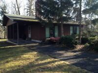Spacious Four Bedroom Retreat In Fort Erie