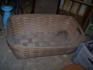 BASKET / HAMPER AND APPLE BASKET WITH COVER