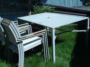 Metal Patio table with 6 chairs