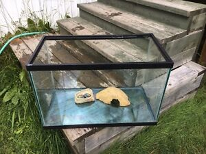 1'x2'X1.5' Tank with lid and accessories