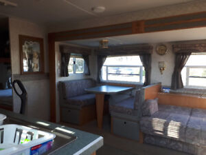 American Star 30 ft Travel Trailer by Newmar