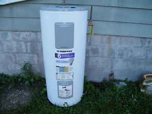 Electric 40 Gallon Hot Water Tank Approx. 4 Years Old City Water