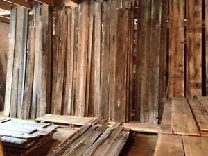 bois de grange, poutre, madrier, tout pour votre décor!