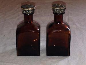 Vintage bottle salt & pepper shakers Stratford Kitchener Area image 1