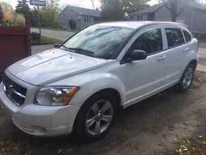 2011 open to offers ... Dodge Caliber Uptown Hatchback