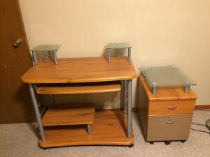 Sturdy Desk With Wheels