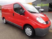 Low Mileage Renault Trafic 2.0TD SWB immaculate condition panel van (24)