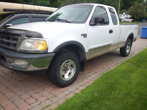 1998 Ford F-150 Camionnette boite 6 pieds