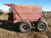 Sprayer 800 us gallons  ( negotiable)