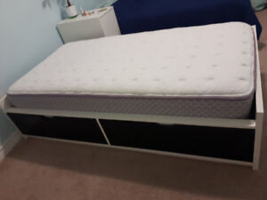 Twin Bed with storage drawers and memory form mattress