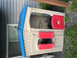 $40- petite maison pour enfant- kids playhouse