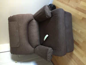 6 month old lift chair