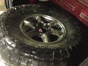 35in toyo mt $300