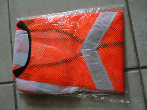 Brand new orange reflective safety vest one size fits all London Ontario image 3