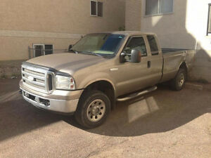 2005 Ford F250 XLT Super Duty 4x4 - 5.4L Gas/Auto - For Parts