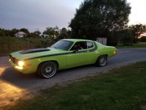 1974 Plymouth Road Runner V8 318