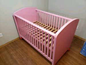2in1 pink solid wood crib/daybed