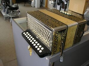 Hohner Poker Works button accordion A + D excellent condition