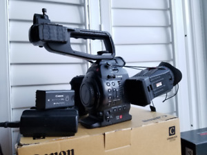 Canon C100 with DAF and Zacuto C100 Z-Finder Pro