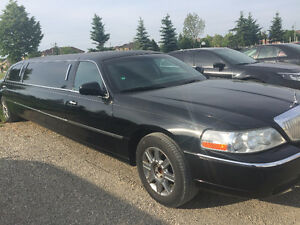 2008 Lincoln Town Car  Stretch Limousine