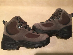 Kids Columbia Waterproof Omni Tech Winter Boots Size 5.5 London Ontario image 6