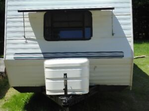 30 FOOT CITATION LITE TRAVEL TRAILER LOADED NO PULLOUTS