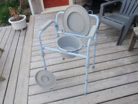 Folding commode - Commode pliant