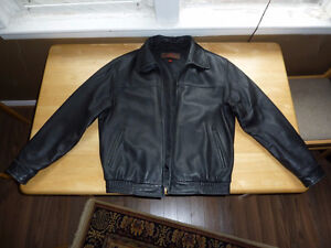 Danier Genuine Leather Jacket Large Good Condition