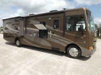 2013 Winnebago Sunstar 35B - 3 Slideouts - Bunk Beds