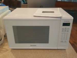1100 Watt Panasonic Microwave