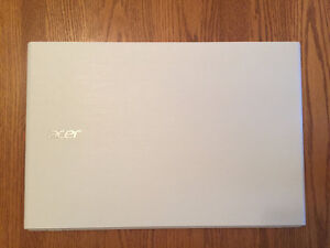 White Acer Laptop For Sale, Will Include Laptop Case!