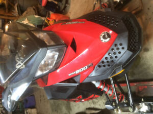 2011 Skidoo 800r renegade sp,1239 miles,mint,electric start,5400