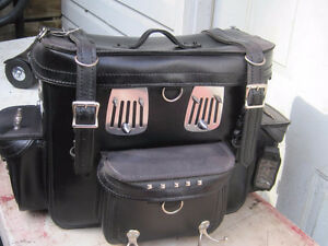 Leather motorcycle trunk bag