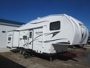 2014 Rockwood Signature Ultra-Lite 8281WS 5TH Wheel *BUNK MODEL*
