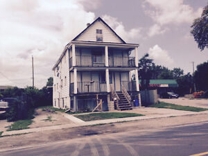 Six unit for the price of a Duplex! $149,000 call Mike Brogan