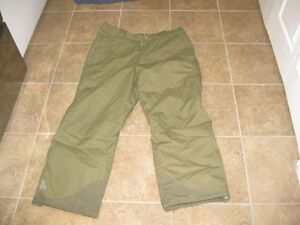 Fire Fly Smow Pants camo green X Large great condition