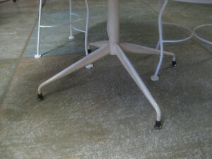 Vintage White Table set North Shore Greater Vancouver Area image 5