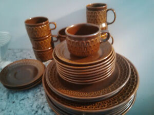Wedgewood Perrine pattern, collectable oven to table dishes