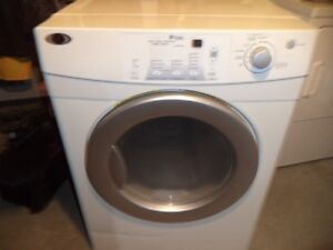 MAYTAG DRYER 4 YRS OLD WORKS GREAT CAN DELIVER