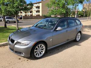 2012 BMW 3 Series Wagon     Low KM     Extended warranty