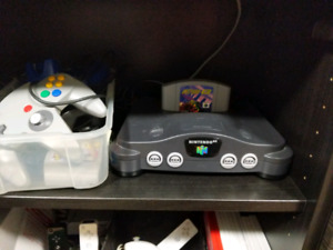 N64 2 games 3 controllers. All cables