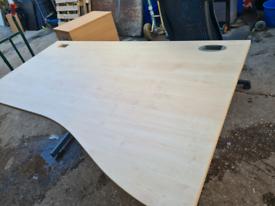 Wave office desks in Maple colour 160 cm wide (10 available)