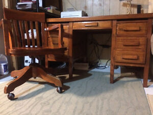 Antique Oak Desk and Chair Prince George British Columbia image 3