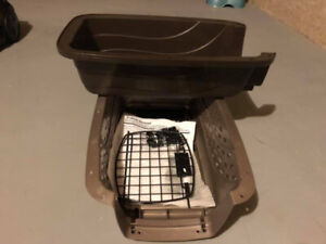 Travel Cage with Feeding Bowls
