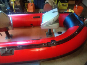 Seamax 10'8' inflatable boat with chairs
