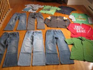 Lot de vêtements garçon de grandeur 12 ans - 14 ans