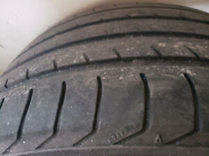 295/35R21 A set of 4 Advance Sport yokohama Used 70% tread left